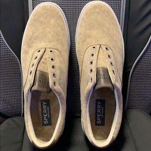 Tan/beige Sperry Boat shoes